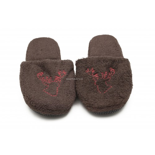 Closed Toe Hotel Slipper (Brown)